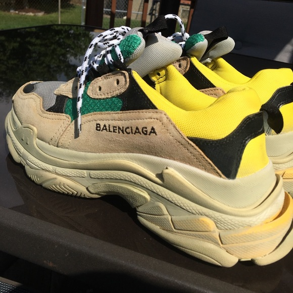 Balenciaga (w o original Box) Shoes - Balenciaga Triple S Sneakers d07f1c334e